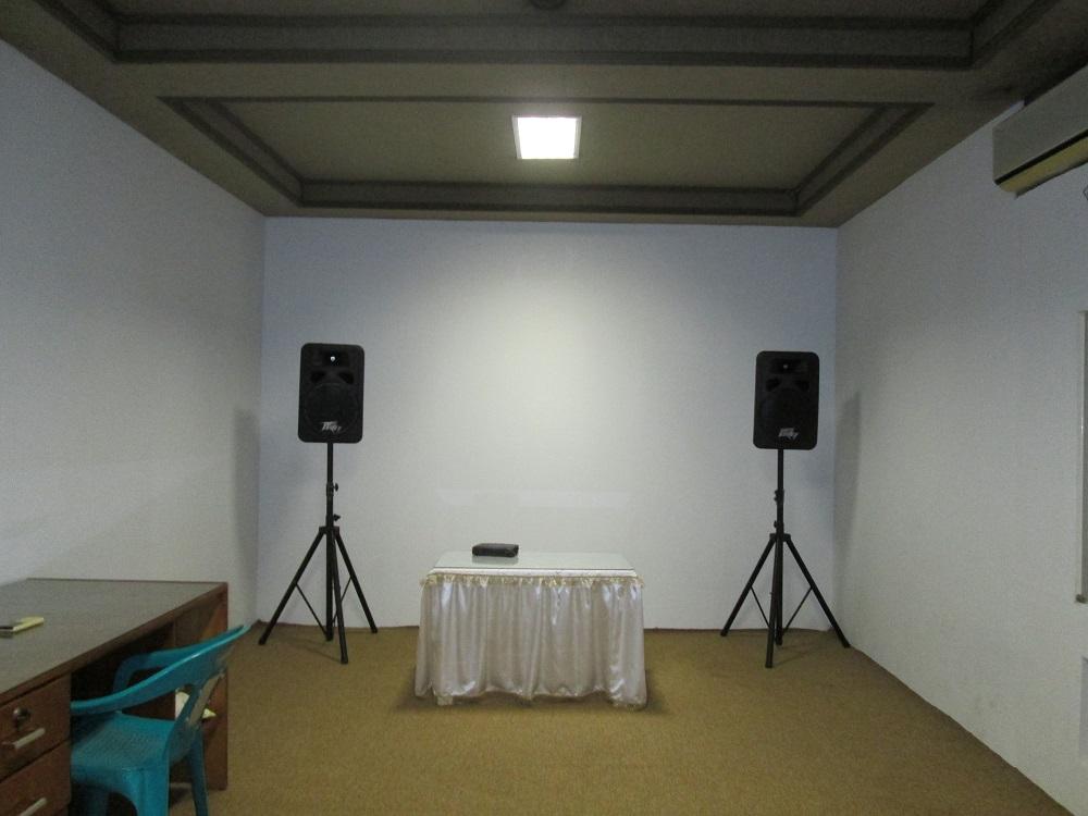 Ruang doa, bisa juga untuk rekaman dlm jumlah besar misal Paduan suara