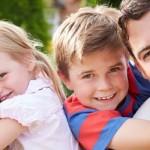 Tips Sukses Asuh Anak Kembar