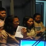 """Penasaran """"dapur"""" siaran, siswa-siswi SMAN 15 Bandar Lampung """"blusukan"""" ke Studio Radio Suara Wajar"""