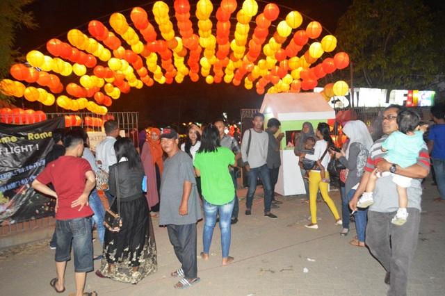 Para pengunjung Lampung Fair 2015, di PKOR Way Halim Bandar Lampung, (17/09).