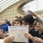 Paus Imbau Gereja Bimbing Kaum Gay