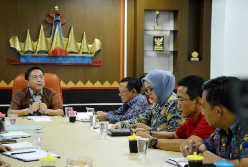 Suasana rapat rapat Pemantapan Penyambutan Kapsul Waktu di ruang rapat Asisten  Pemerintahan, Jumat (9/10/2015).