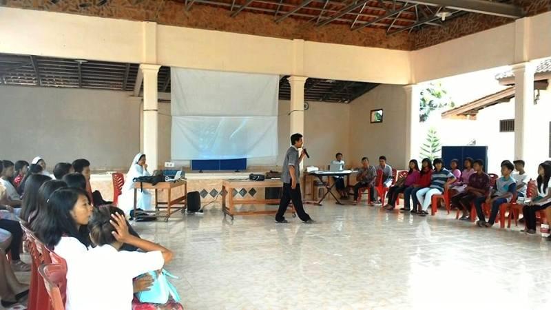 Acara Minggu Pangilan bersama Suster-Suster Carolus Borromeus (CB) 09 November 2015 di Aula Paroki Santo St. Andreas Marga Agung, Lampung Selatan. Sumber : Heribertus Priyadi