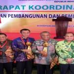 Gerbang Saburai Hantarkan Gubernur Lampung Raih Penghargaan