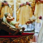 Pesan Misa Natal Paus: Umat Mabuk Kemewahan, Yesus Serukan Sederhana