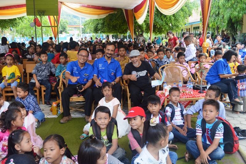Kemeriahan perayaan ulang tahun sekolah-sekolah Xaverius II Bandar Lampung di Panjang, Sabtu 09 Januari 2016.