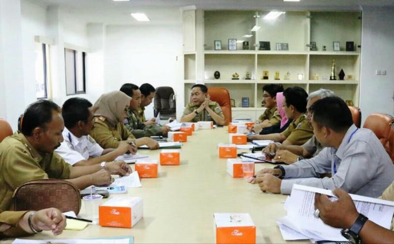 Rapat persiapan Pelantikan kepala daerah dan wakil kepala daerah terpilih di ruang rapat Asisten Bidang Pemerintahan, Selasa (12/01/2016).
