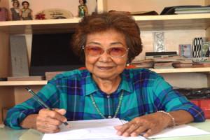 Maria Mellytina Chandra Wijaya saat menunjukan ruang doanya di kediamannya pada Radio Suara Wajar, Sabtu 27 Februari 2016.