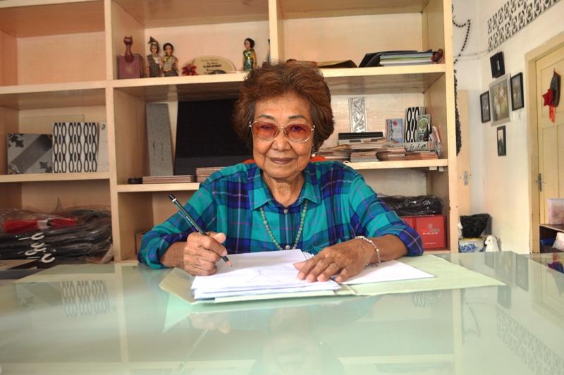 Maria Mellytina Chandra Wijaya, 74 tahun saat di kediamannya di Jalan Raden Patah No. 4/80, Kelurahan Kaliawi, Kecamatan Tanjungkarang Pusat, Bandar Lampung, Sabtu 27 Februari 2016. Foto : Robert