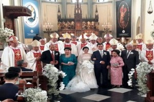 Para-uskup-yang-menghadiri-pernikahan-pasangan-dari-keluarga-penguasa-di-Jakarta-pada-Sabtu-6-Februari-2016 2