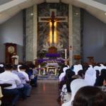 Ribuan Umat Banjiri Gereja Katedral Kristus Raja Tanjungkarang mengikuti Misa Requiem Mgr. Henri