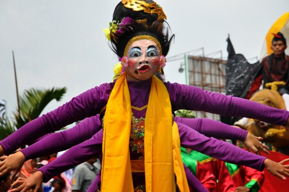 630-cingcowong-tradisi-meminta-hujan