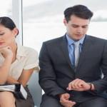 Cara Mengatasi Perlakuan Dingin dari Rekan Kerja