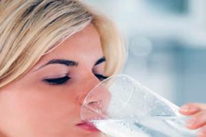 minum air putih 2
