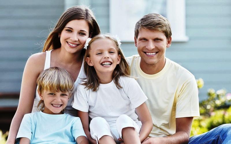 Ilustrasi keluarga bahagia. Foto: Rampages