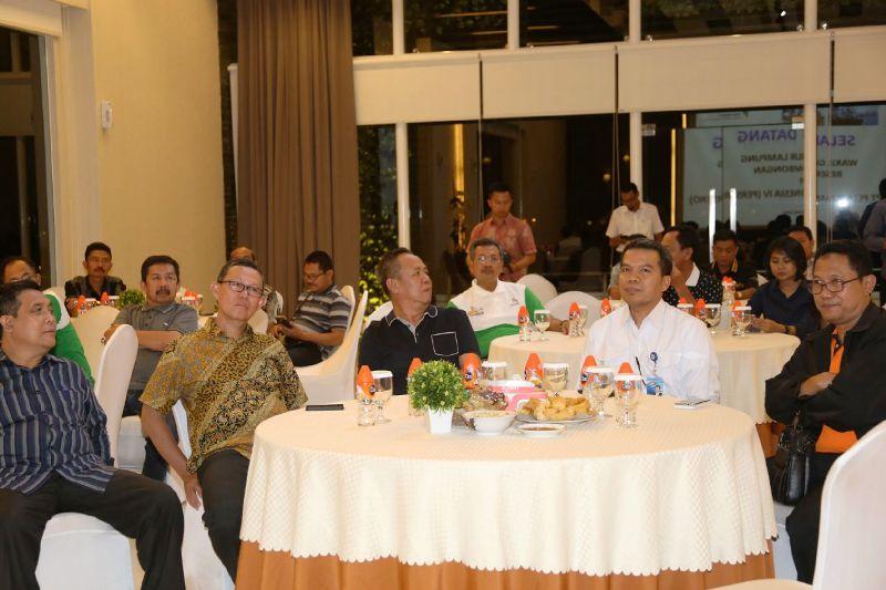 Wakil Gubernur Lampung Bachtiar Basri saat beramah- tamah dengan pihak Pelindo IV Makassar, Sulawesi Selatan Selasa malam 24 Mei 2016 . Foto : Humas Protokol Lampung,