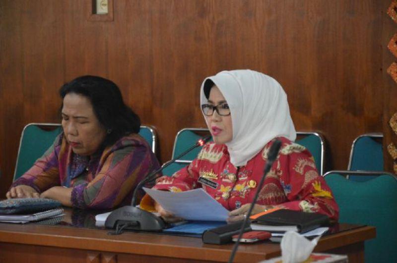 Kepala Dinas Pariwisata dan Ekonomi Kreatif Provinsi Lampung Choiria Pandarita di ruang rapat asisten, Jumat 10 Juni 2016