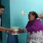 Relawan Garuda Ridho Berbakhti Bagikan 400 Nasi Kotak di Rumah Sakit Medika Natar