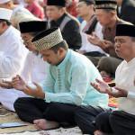 Gubernur Lampung M. Ridho Ficardo Laksanakan Salat Id di Lapangan Saburai Bandar Lampung