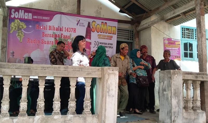Acara halal bi halal Radio Suara Wajar bersama para pecinta atau fans program acara Lambang Sari, di Desa Margo Agung Kecamatan Jati Agung Lampung Selatan, Sabtu 16 Juli 2016