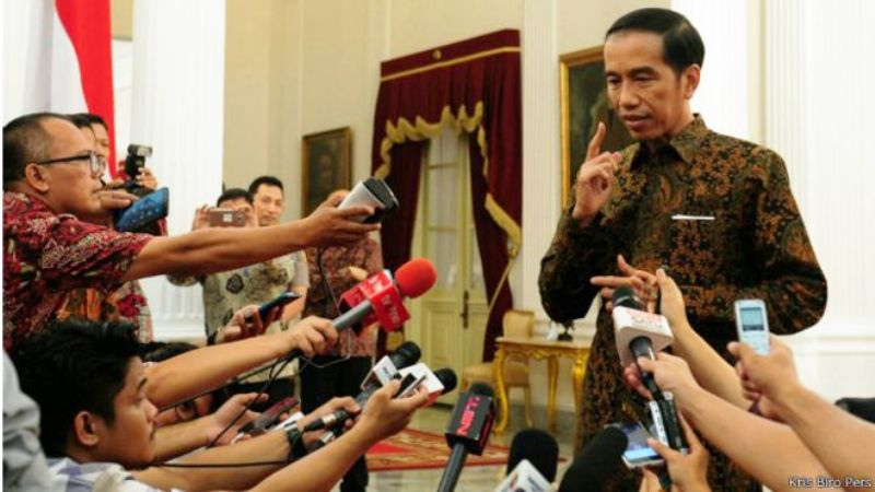 Presiden Joko Widodo umumkan nama-nama 12 menteri dan kepala BKPM.