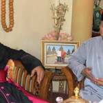 Hari Pertama Lebaran, Mgr. Yu Bersilahturahmi ke Sejumlah Rumah Pejabat dan Tokoh Agama