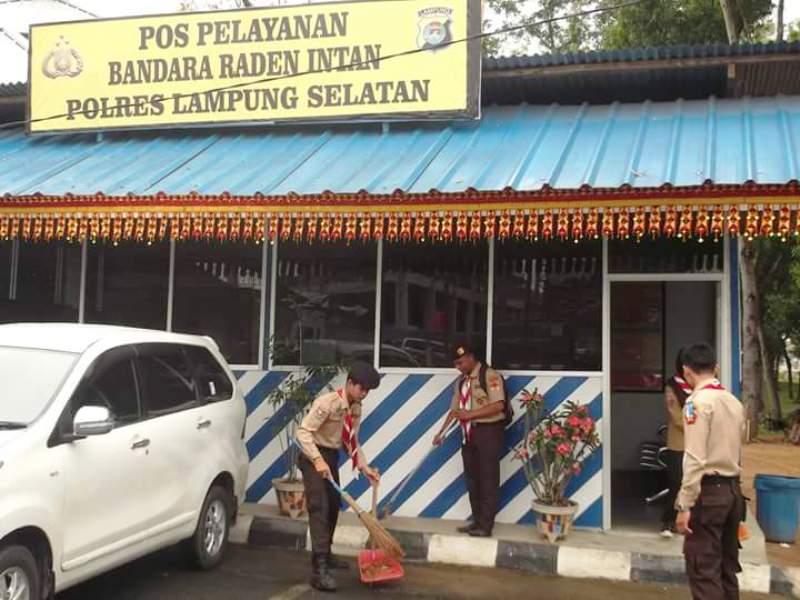 Salah satu Posko Karya Bakti Lebaran Kwarda Gerakan Pramuka Lampung di Bandara Raden Inten Lampung Selatan.