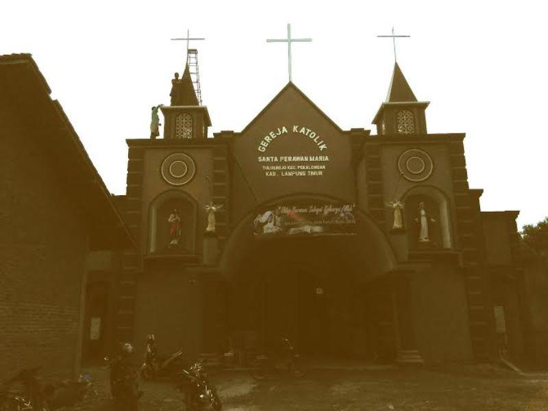 Gereja Katolik Santa Perawan Maria, Desa Tulusrejo, Kecamatan Pekalongan. Foto : jejamo.com