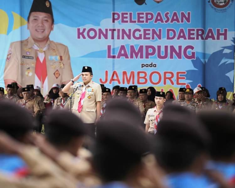 Kamabida M Ridho Ficardo saat melepas kontingan Pramuka Lampung untuk mengikuti Jambore Nasional di Cibubur. Acara berlangsung di halaman Kantor Gubernur Lampung, Kamis 11 Agustus 2016. Foto : Tim Media MRF