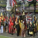 Panji Sekala Bkhak Berkibar dalam Kirab Kemerdekaan di Istana