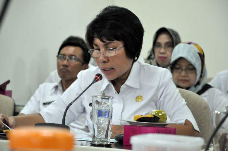 Sekretaris Dinas Pendidikan dan Kebudayaan Provinsi Lampung Fauziah, pada Rapat Dengar Pendapat di ruang rapat Komisi V DPRD Provinsi Lampung, Rabu 5 Oktober 2016.
