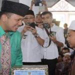 786 paket sembako dibagikan Gubernur Lampung kepada kepada marbot masjid, anak yatim piatu dan kaum duafa