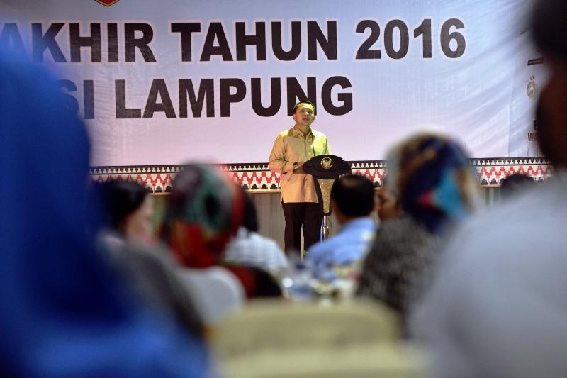 Gibernur Lampung M Ridho Ficardo pada Refleksi Akhir Tahun, di Halaman Kantor Gubernur, Selasa malam 27 Desember 2016.