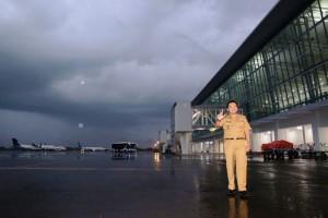 Gubernur Lampung M Ridho Ficardo dalam kunjungannya memantau kesiapan akhir di Bandara Raden Intan II atas perubahan menuju Bandara Internasional, Senin sore 20 Februari 2017