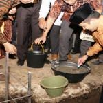 Gubernur Lampung lakukan peletakan batu pertama pembangunan Ponpes Al-Hikmah Istiqomah di Way Kanan