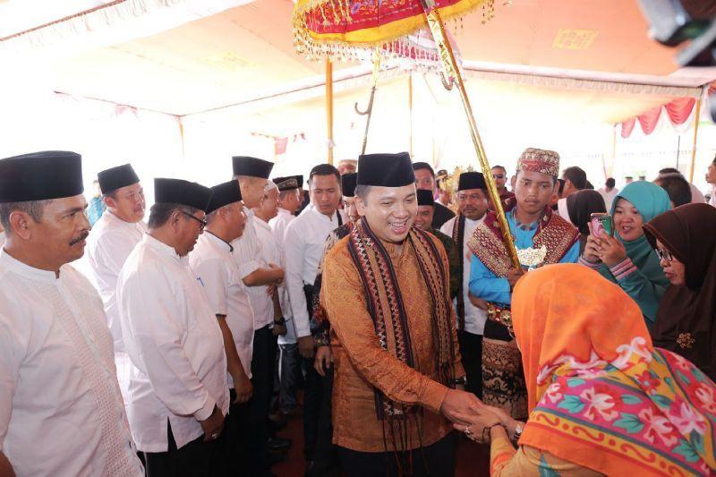Gubernur Lampung M Ridho Ficardo saat berkunjung ke Kabupaten Way Kanan, Minggu 05 Februari 2017.