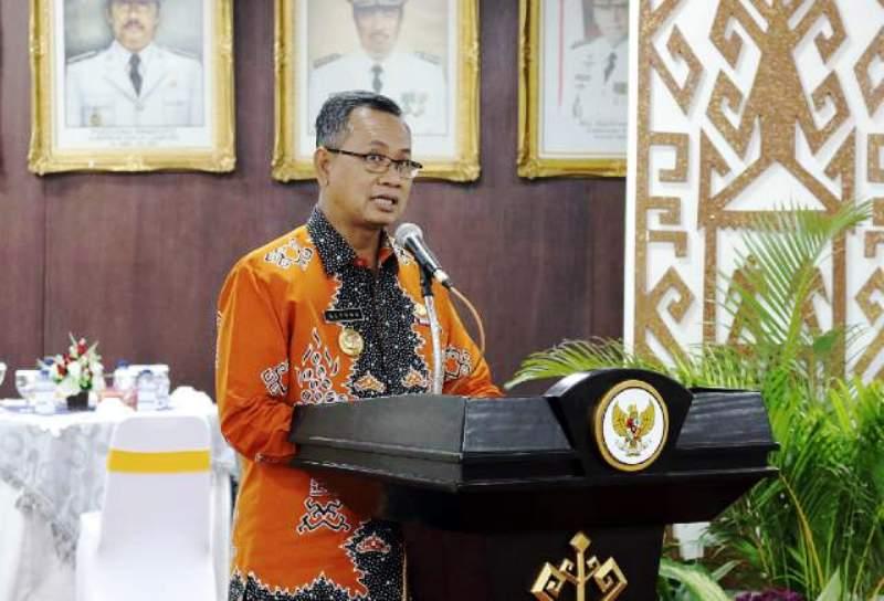 Sekdaprov Lampung Sutono saat membuka Rapat Kerja Ke-Protokolan se Provinsi Lampung di Ruang Abung, Balai Keratun, Kamis 02 Februari 2017.