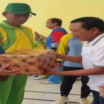 Gubernur Lampung Memberikan Bantuan Kepada Karang Lansia/Posyandu Lansia di Desa Hanura