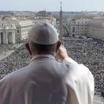 Paus: Saya Terluka Melihat Mereka Gunakan HP Saat Misa