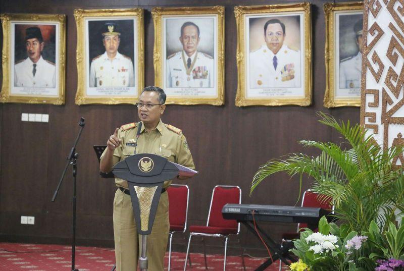 Sekretaris Daerah Lampung Ir. Sutono, MM dalam acara Pembukaan Safari Gerakan Nasional Gemar Membaca di Ruang Abung Balai Keratun, Senin 13 Maret 2017.