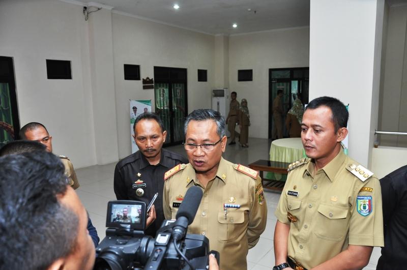 Sekretaris Daerah Provinsi Lampung Sutono, usai Musrenbang Kabupaten Pringsewu di Aula Kantor Pemerintah setempat, Selasa 14 Maret 2017.