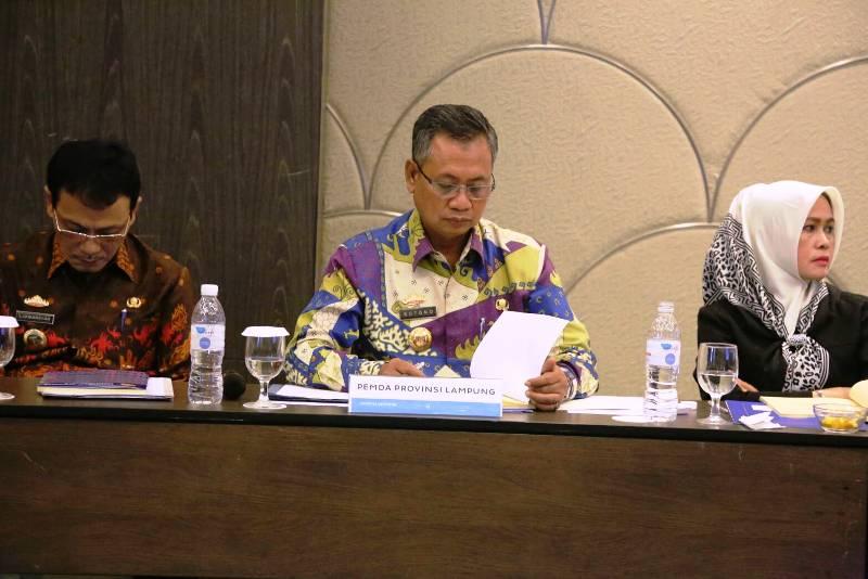 Sekretaris Daerah Sutono dalam Rapat Umum Tahunan dan Luar Biasa pemegang saham PT. Sarana Lampung Ventura di Ambassador room Hotel Novotel, Kamis 09 Maret 2017.