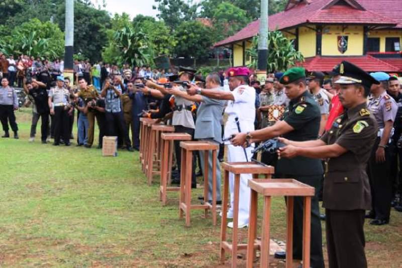 Usai Upacara Penutupan Pendidikan Pembentukan Bintara Polri T.A. 2016/2017 di SPN Polda Lampung Selasa 07 Maret 2017.