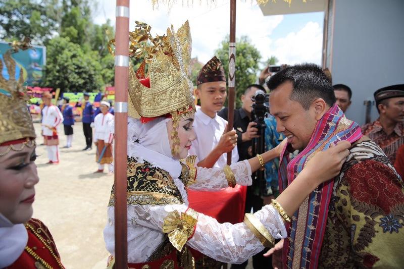 Gubernur Lampung M Ridho Ficardo di di SMK 1 Seputih Agung, Kabupaten Lampung Tengah.
