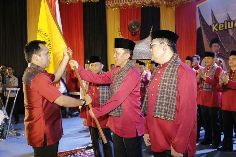 Gubernur Lampung M Ridho Ficardo saat mengukuhkan Pengurus KBSB Provinsi Lampung periode 2016-2021 di Auditorium RRI Bandar Lampung, Sabtu 25 Maret 2017 malam.