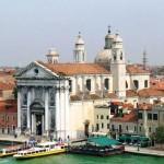 Kekurangan Umat, Puluhan Gereja di Venesia Berhenti Beroperasi