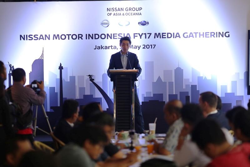 President Director Nissan Motor Indonesia Eiichi Koito memaparkan visi NMI untuk meningkatkan kepuasan pelanggan.