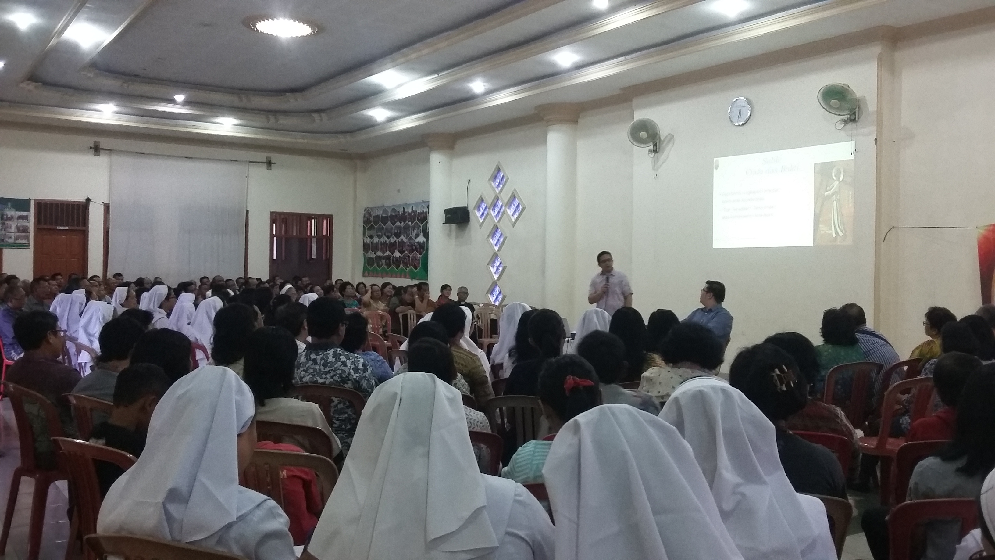 Seminar pendalaman spiritualitas Hati Kudus Yesus dalam rangka 80 tahun paroki Hati Kudus Yesus Metro