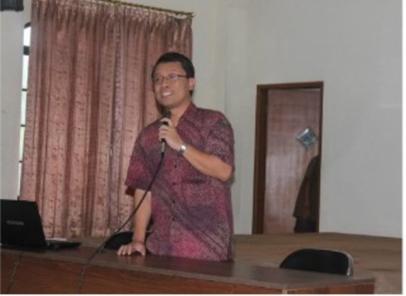 Romo Dr. Adrianus Sunarko OFM menjadi Uskup Terpilih untuk Keuskupan Pangkalpinang. Foto : http://www.sesawi.net
