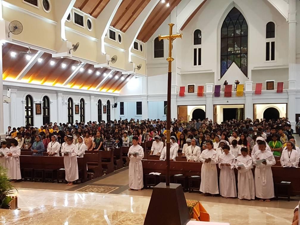 Misa pembuka temu akbar OMK SiJamBu di Gereja Katolik St. Gregoirus Agung Jambi, 27 Juni 2017